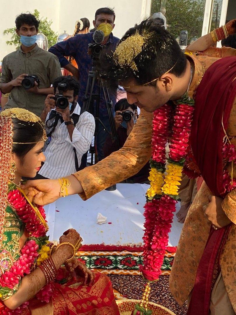 hero nikhil and pallavi varma wedding marriage photos (6)