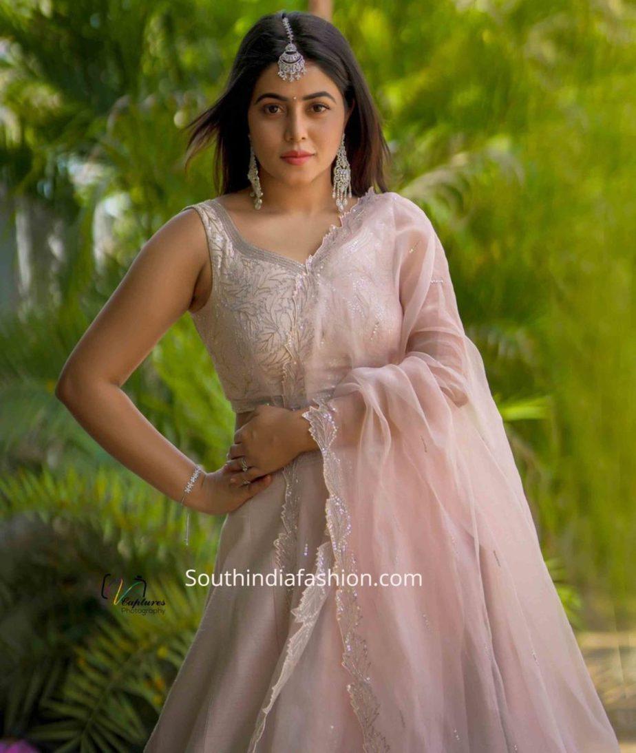 actress poorna lehenga dhee champions