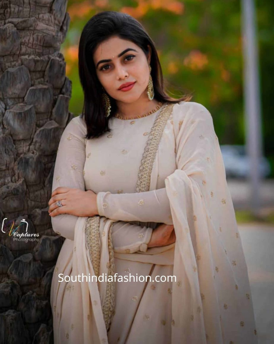 actress poorna shamna kasim white lehenga dhee juniors (2)