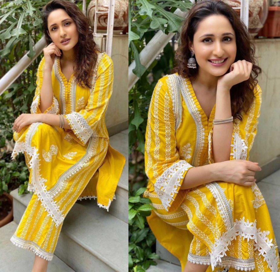 pragya jaiswal yellow kurta set (1)