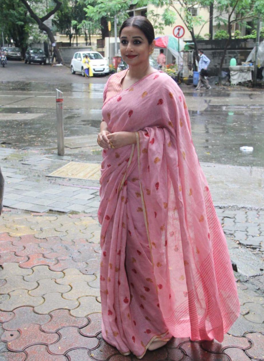 vidya balan linen saree