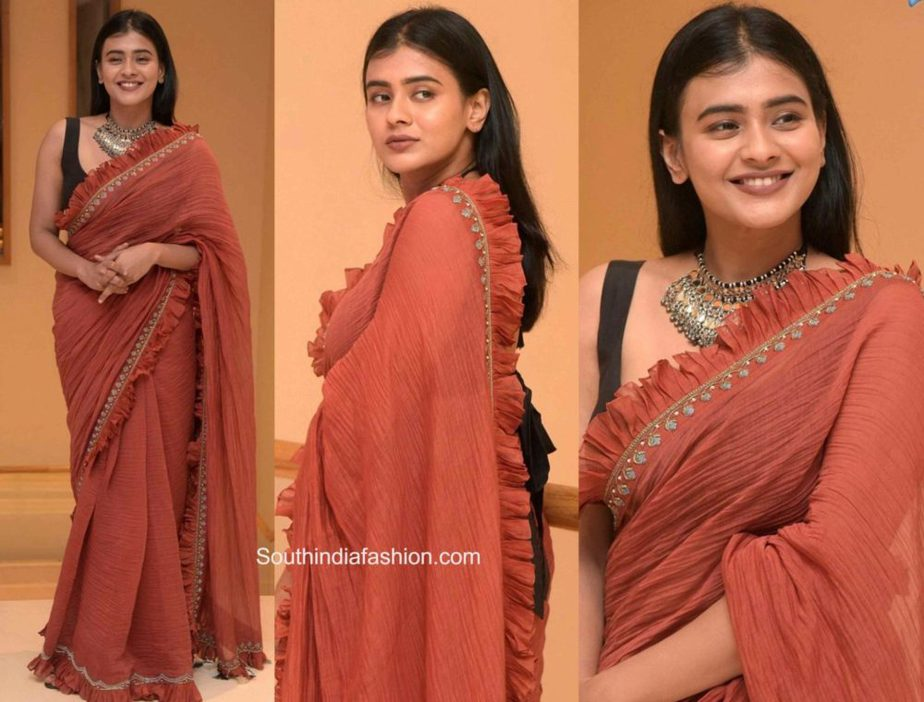 hebah patel in brown ruffle saree at orey bujjiga movie pre-release event (2)