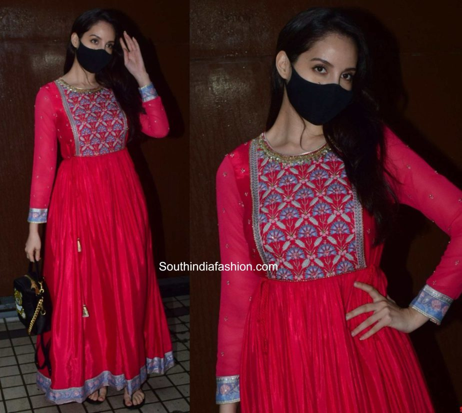 nora fatehi red anarkali kurta (1)