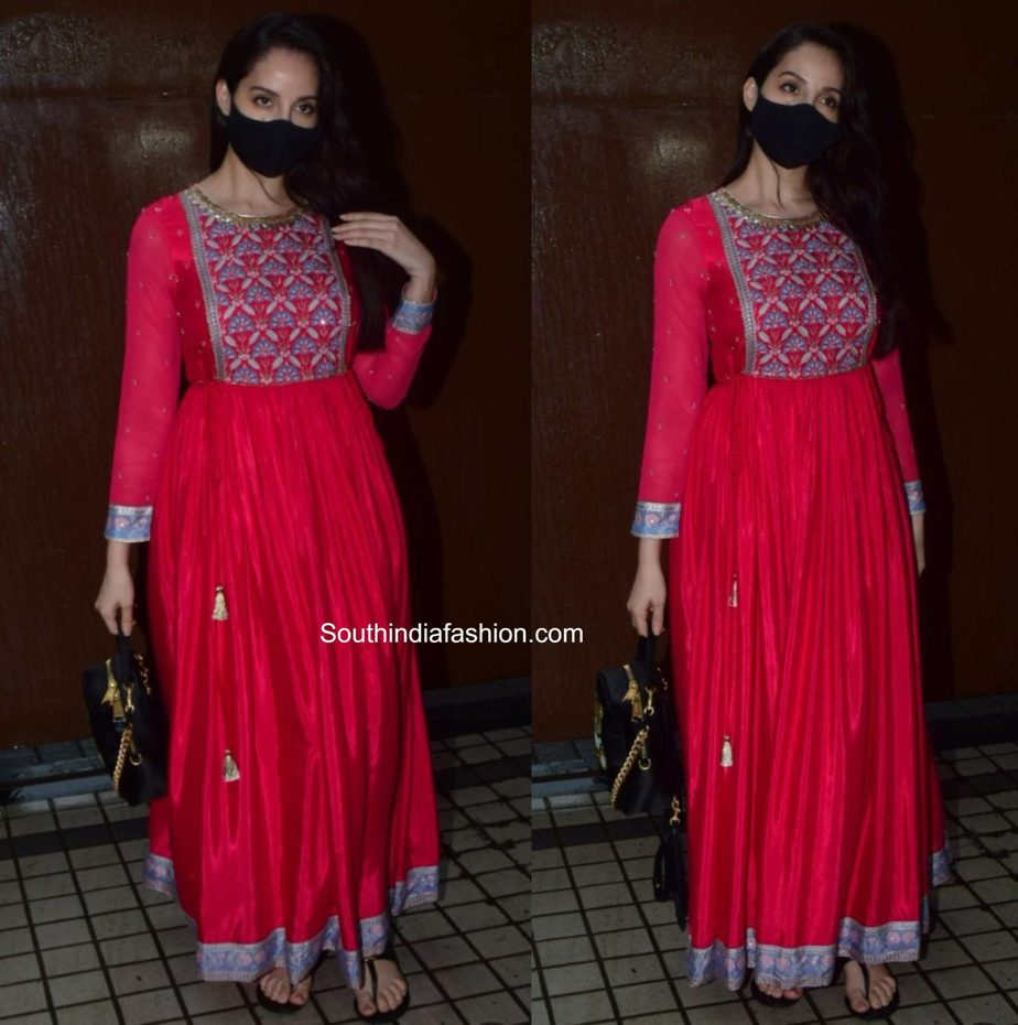 nora fatehi red anarkali kurta (2)