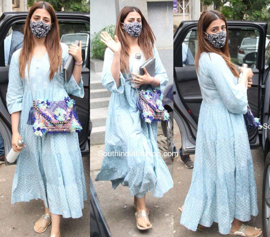 nupur sanon casual look blue maxi dress