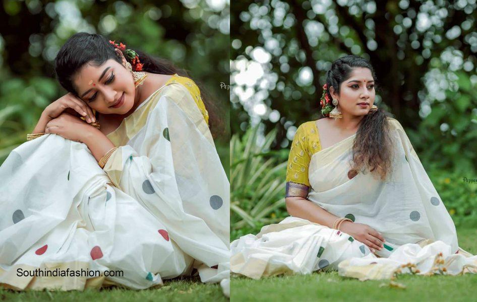 Anumol in a traditional kerala saree