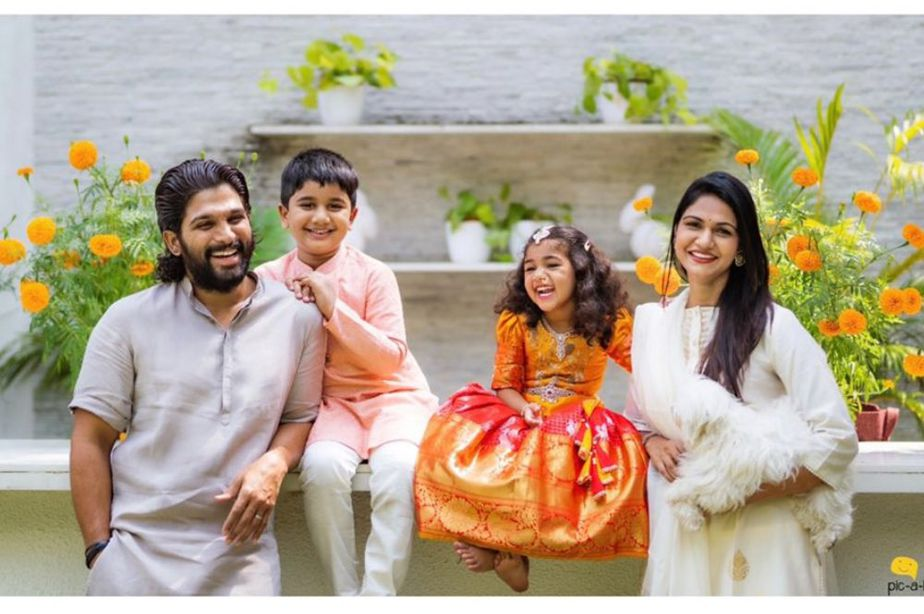 allu arjun family dussera photos (1)