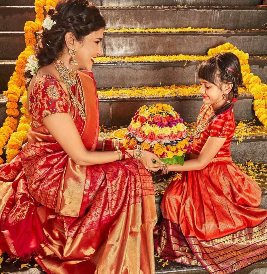 lakshmi manchu dussehra celebrations photos (2)