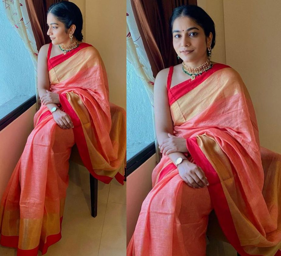 punarnavi bhupalam in a traditional saree for dussehra