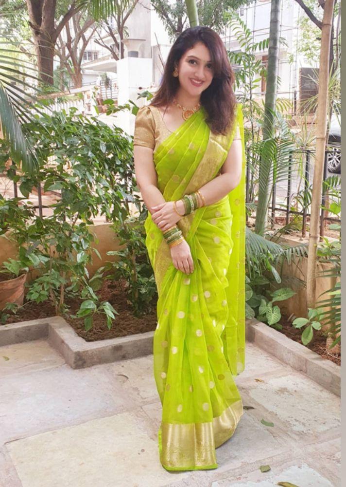 sridevi vijaykumar in a green saree for dussera (1)