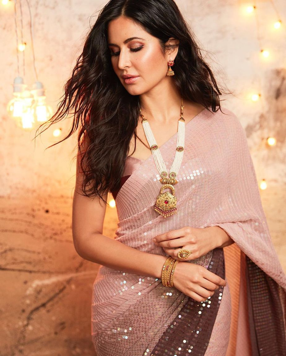 Katrina kaif in manish malhotra saree for kalyan jewellers