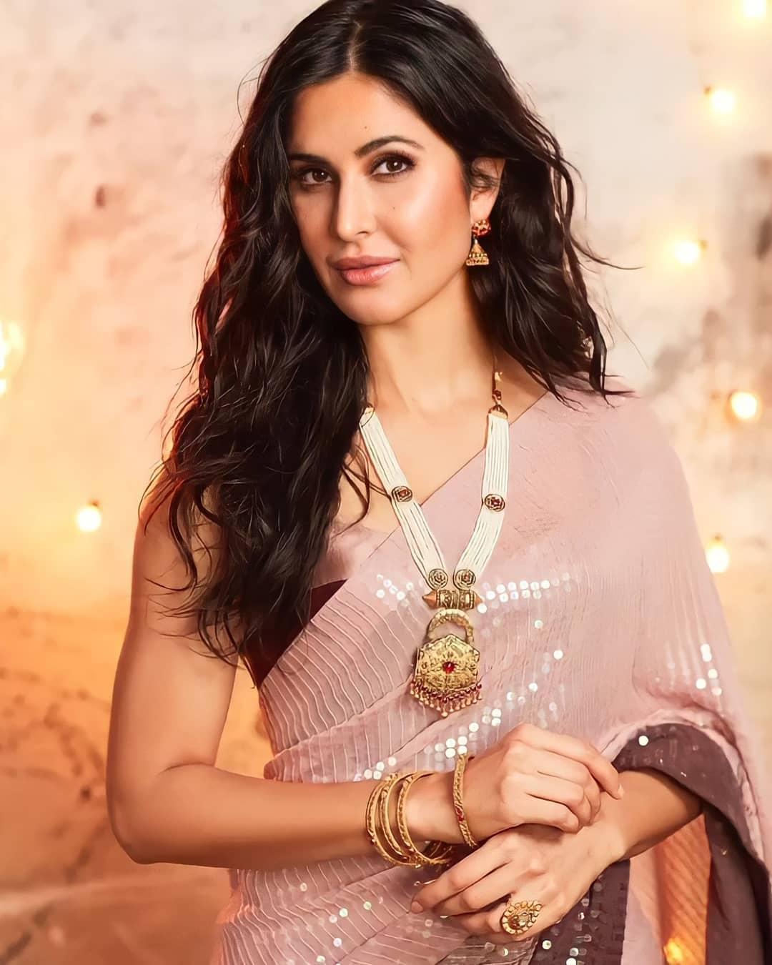 Katrina Kaif in manish malhotra for kalyan jewellers