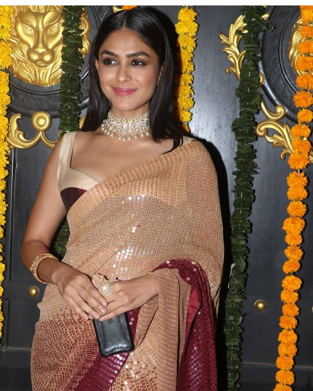 Mrunal thakur in a oombre sequined saree by manish malhotra 2