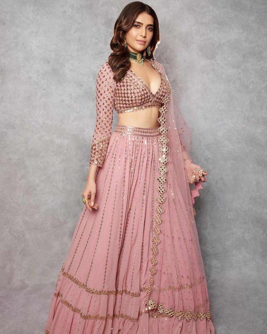 karishma tanna in a pink lehenga by vvani for ekta kapoor's diwali party2