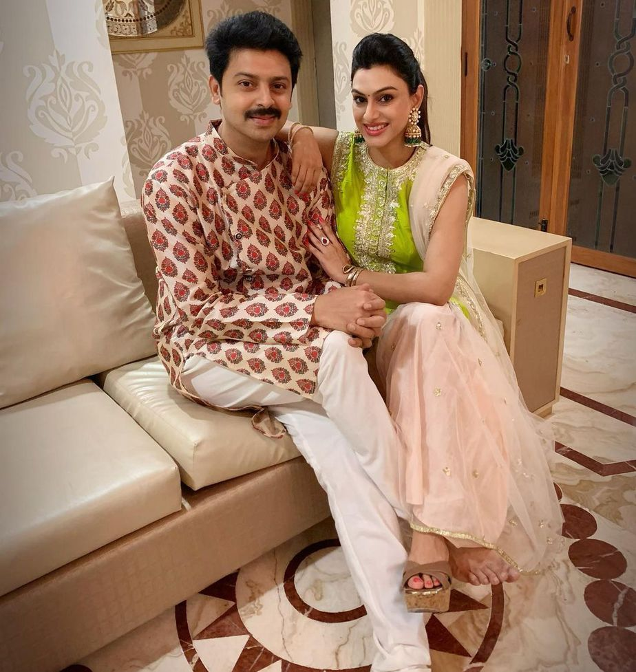 Srikanth and family in traditional attires for Diwali 1