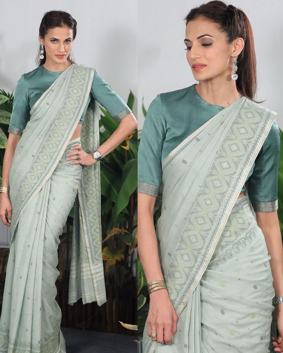 Shilpa reddy in a light green hand woven saree for Q and A1