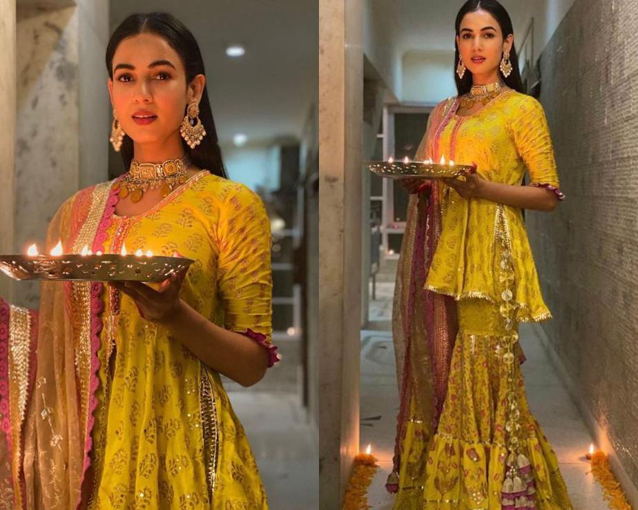 Sonal Chauhan in maayera jaipuri sharara collage 1