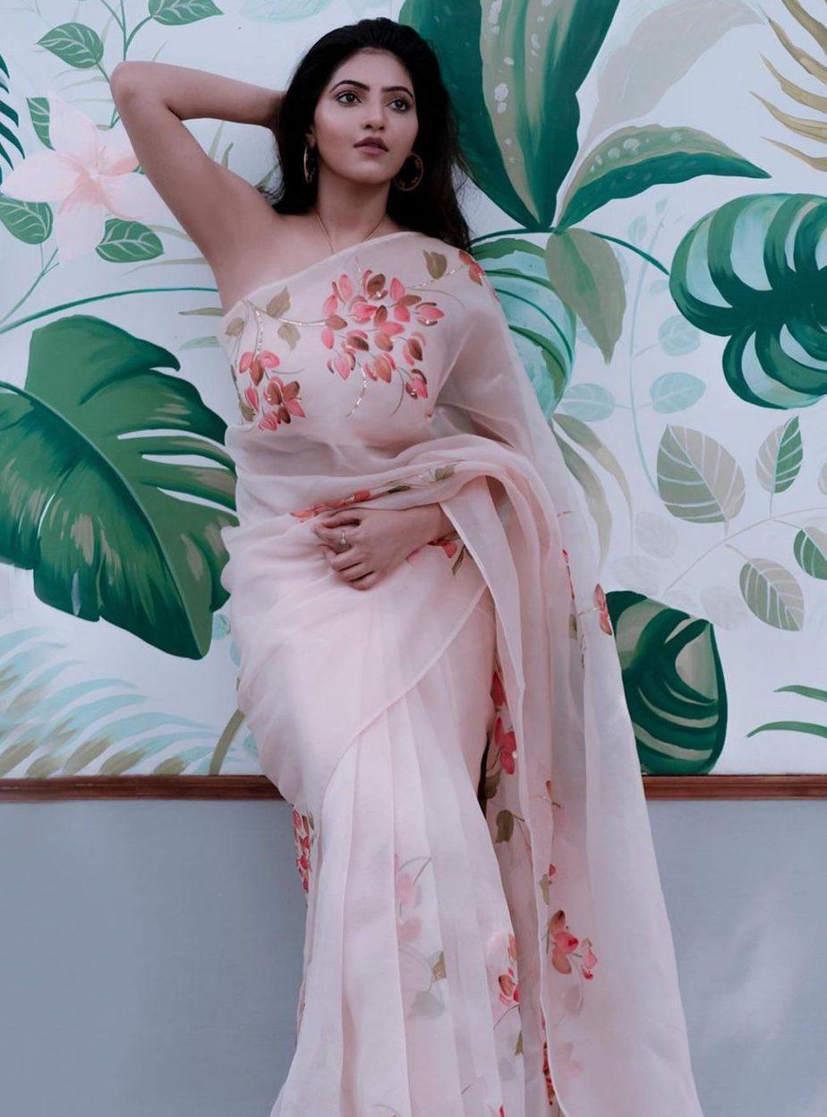 athulya ravi picchika saree white organza