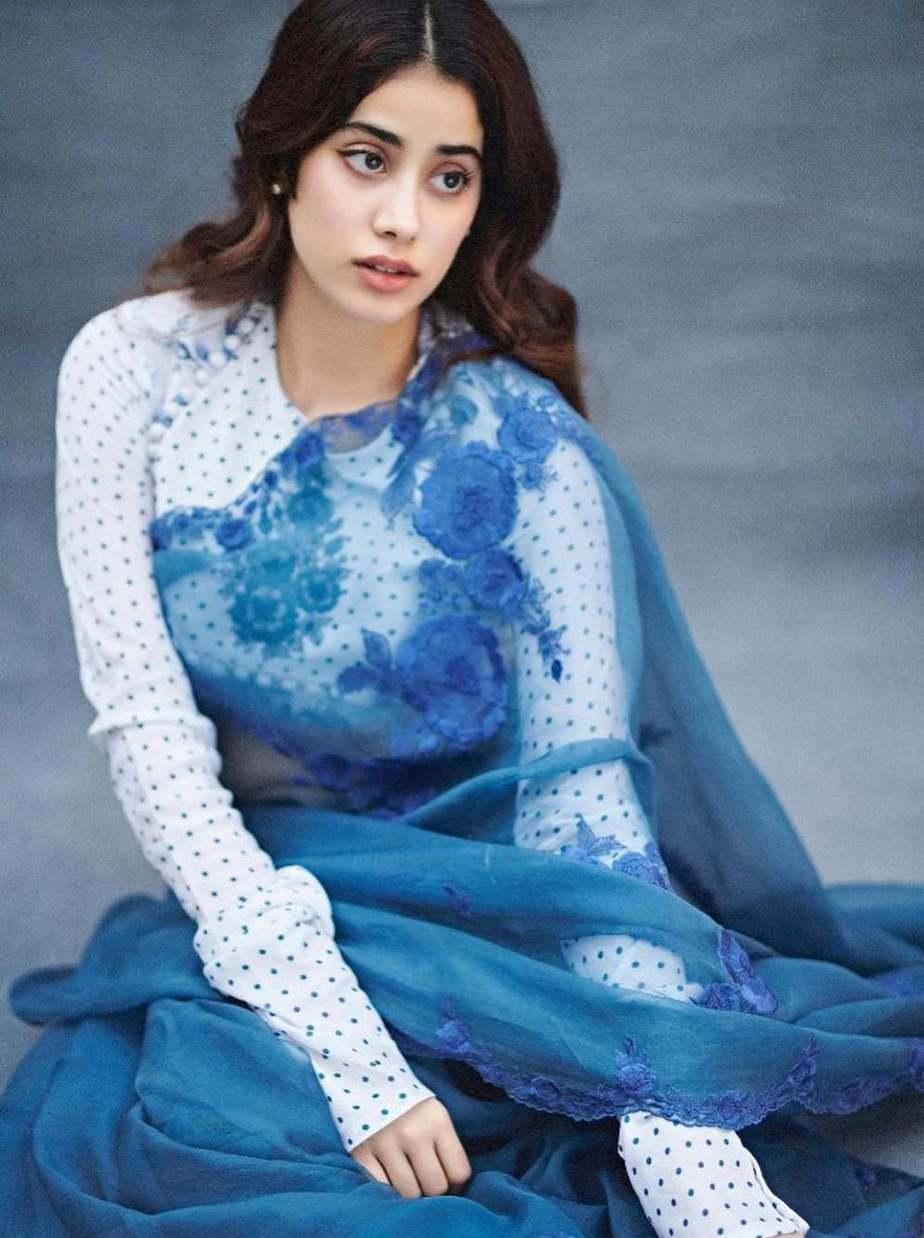 jahnvi kapoor in blue torani sarees 1