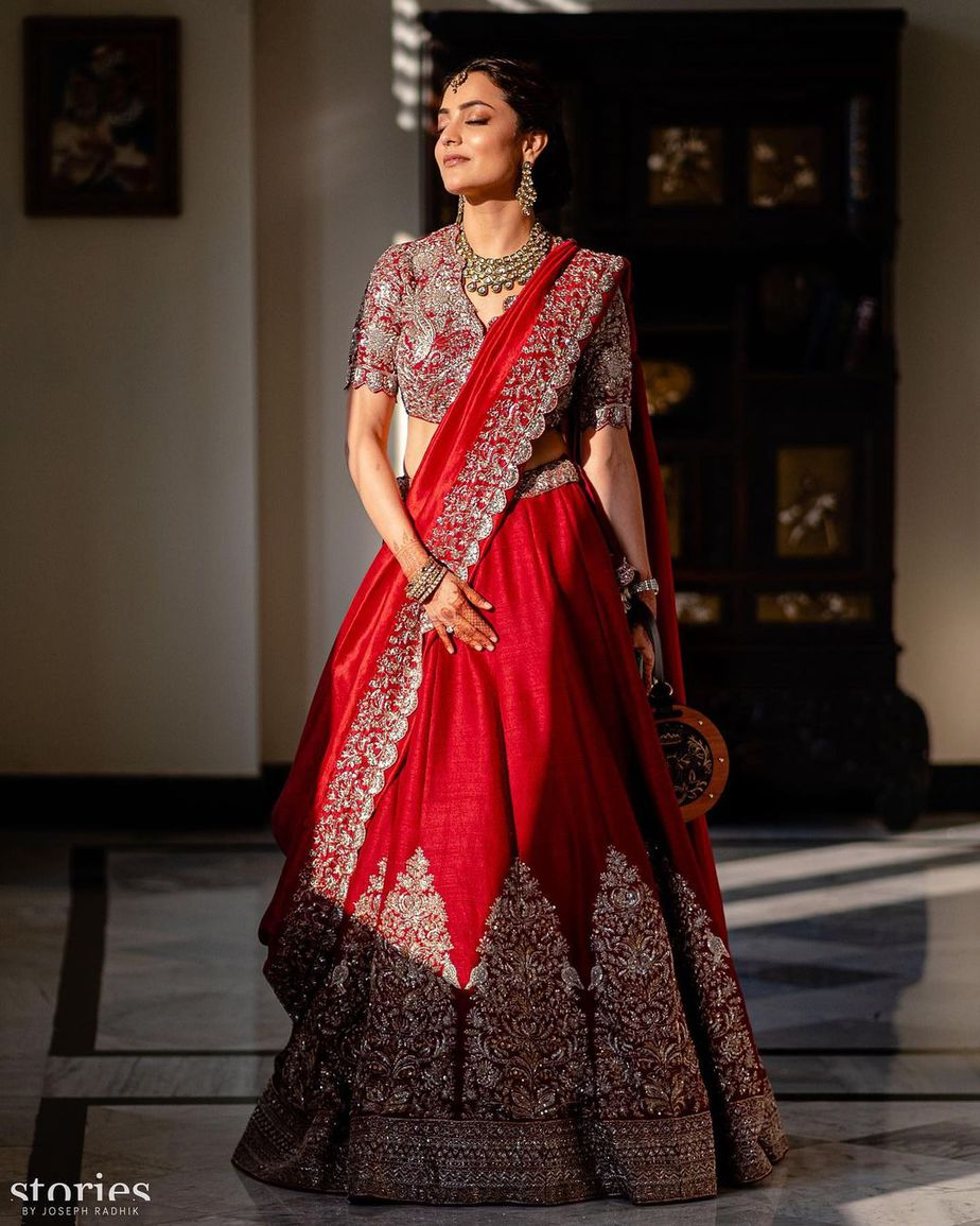 nisha aggarwal in red jayanti reddy lehenga at kajal aggarwal wedding