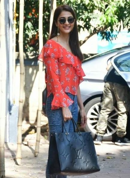 pooja hegde in casual look at bandra mumbai