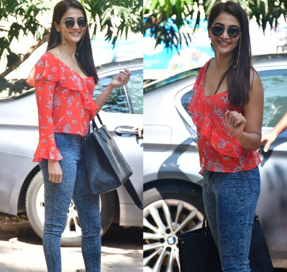 pooja hegde spotted in casual look at bandra mumbai