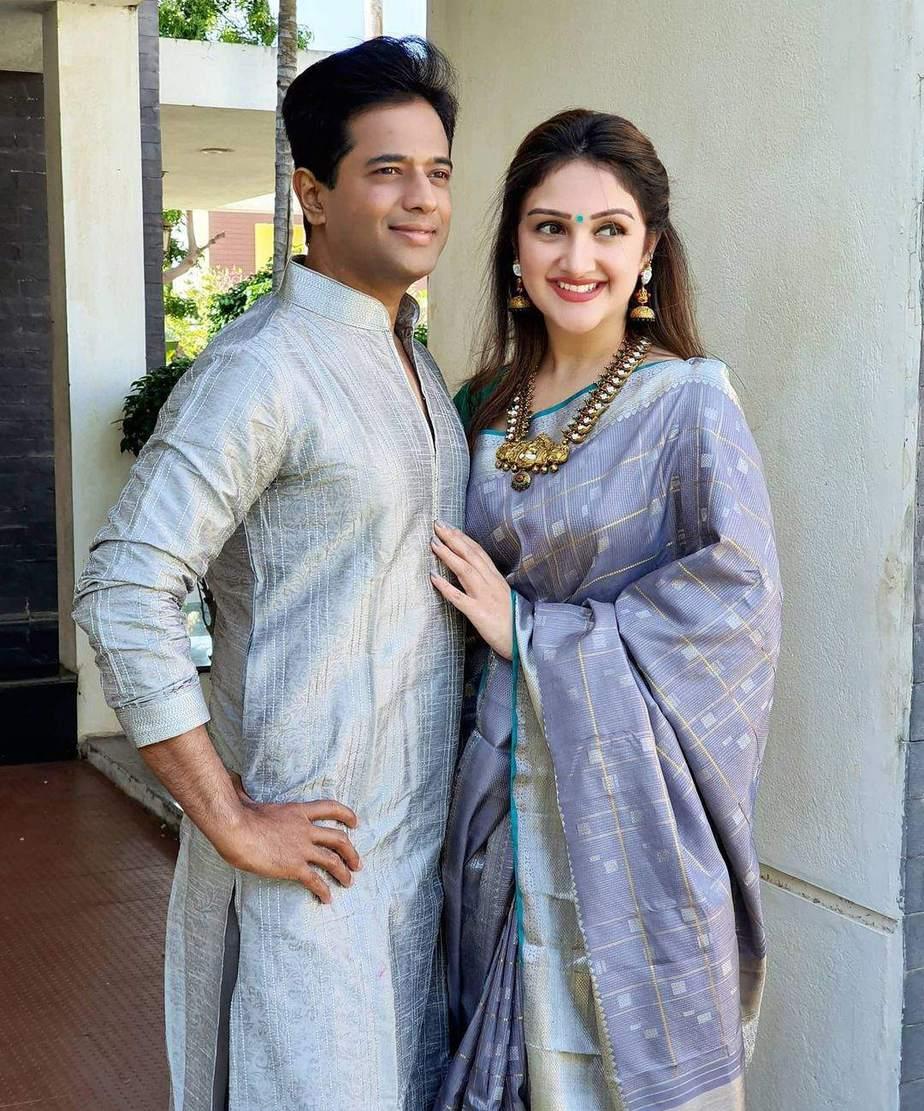 sridevi vijaykumar in grey silk saree for diwali 2020