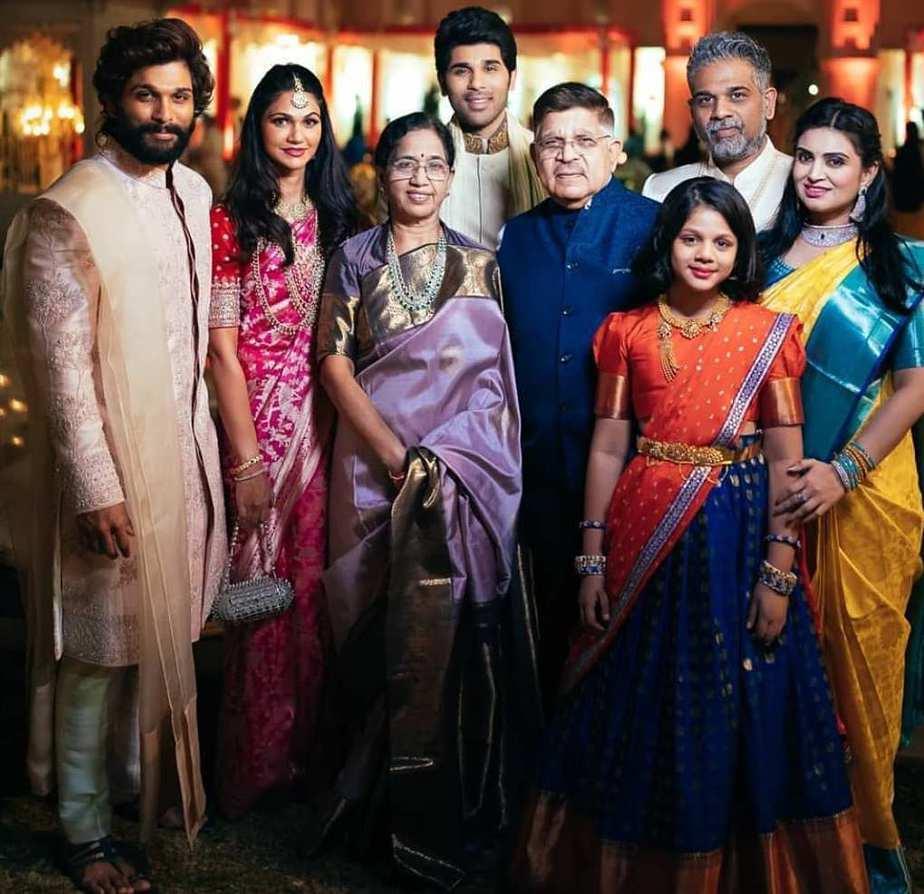 Allu Arjun and Sneha Reddy for Niharika's Wedding3
