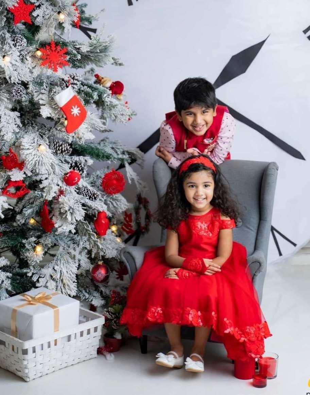 Allu Ayaan and allu arha in Samta and shruti studio for christmas'20-5