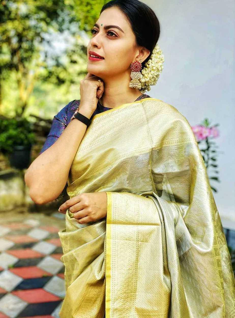 Anusree in a green pattu saree1