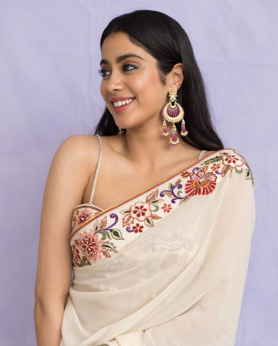 Janhvi Kapoor in Tarun Tahiliani saree