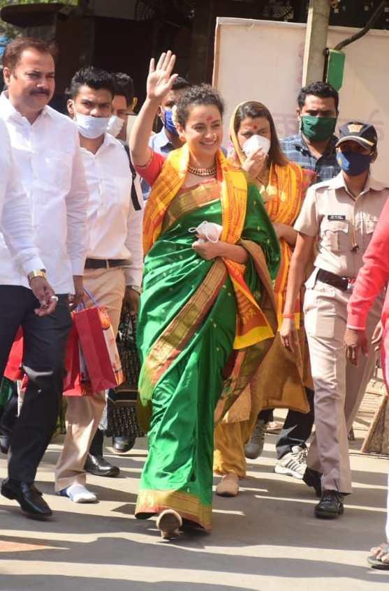 Kangana visits siddhivinayak and mumba devi in green saree