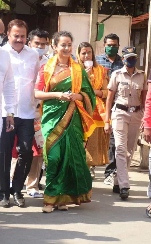 Kangana visits siddhivinayak and mumba devi in green saree2