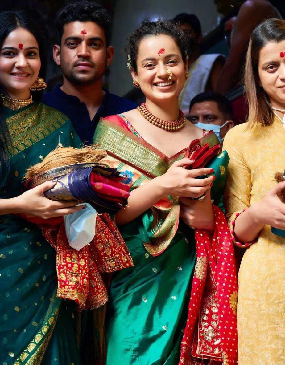 Kangana visits siddhivinayak and mumba devi in green saree4