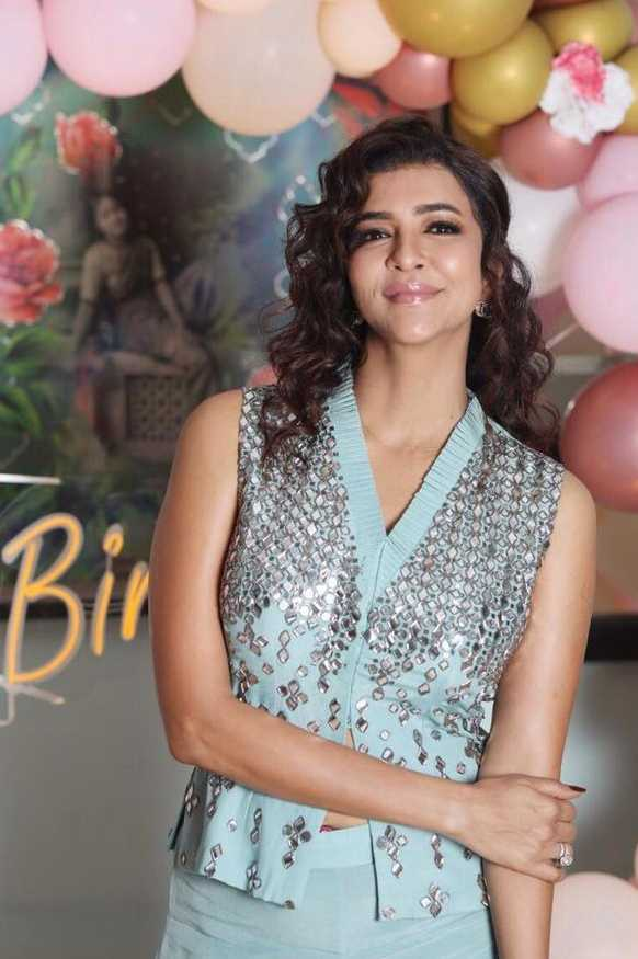 Lakshmi manchu in a blue outfit by Samatvam for mom's bday3