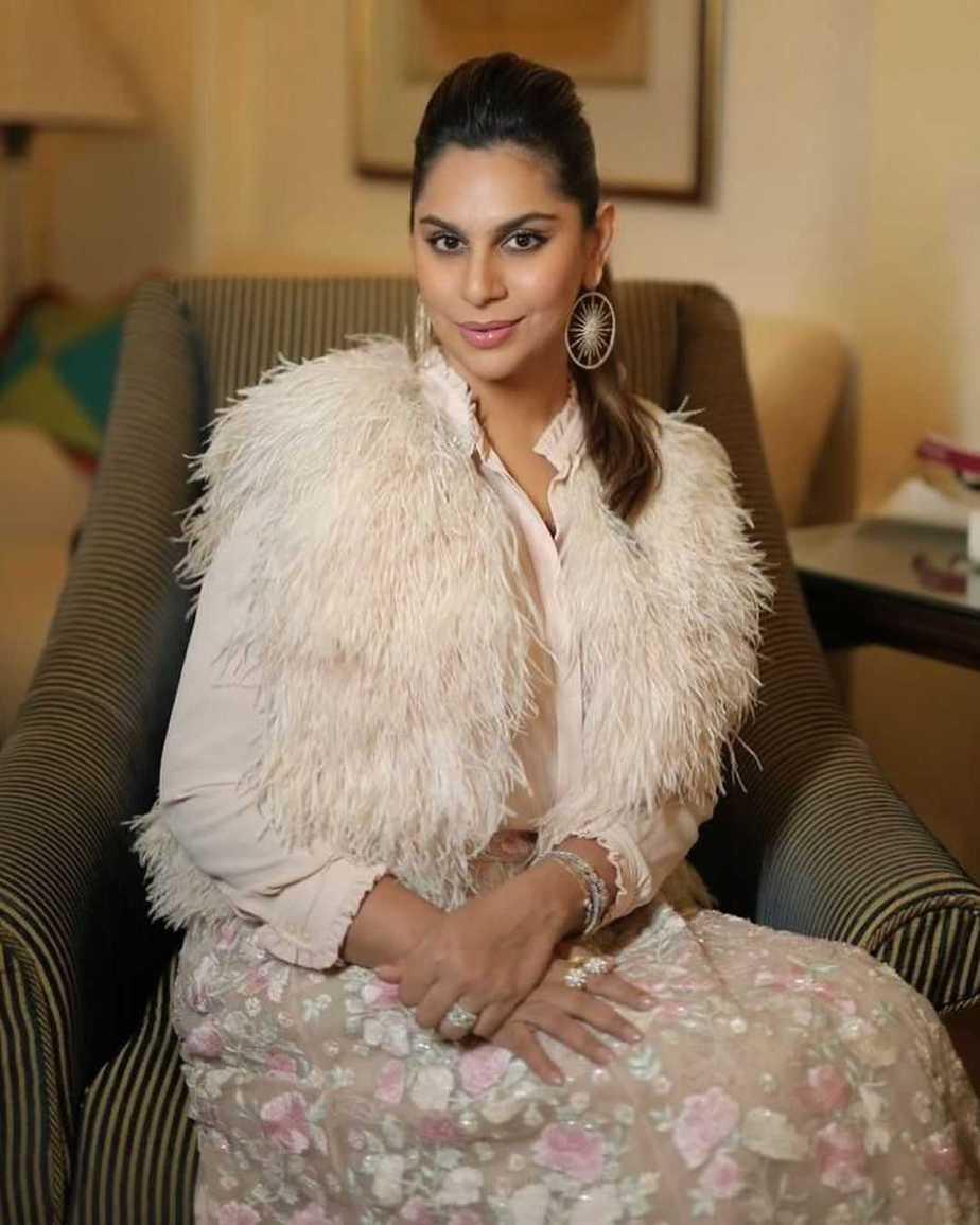 Ram charan and Upasana Konidela in off white outfits for NishChay mehndi (4)