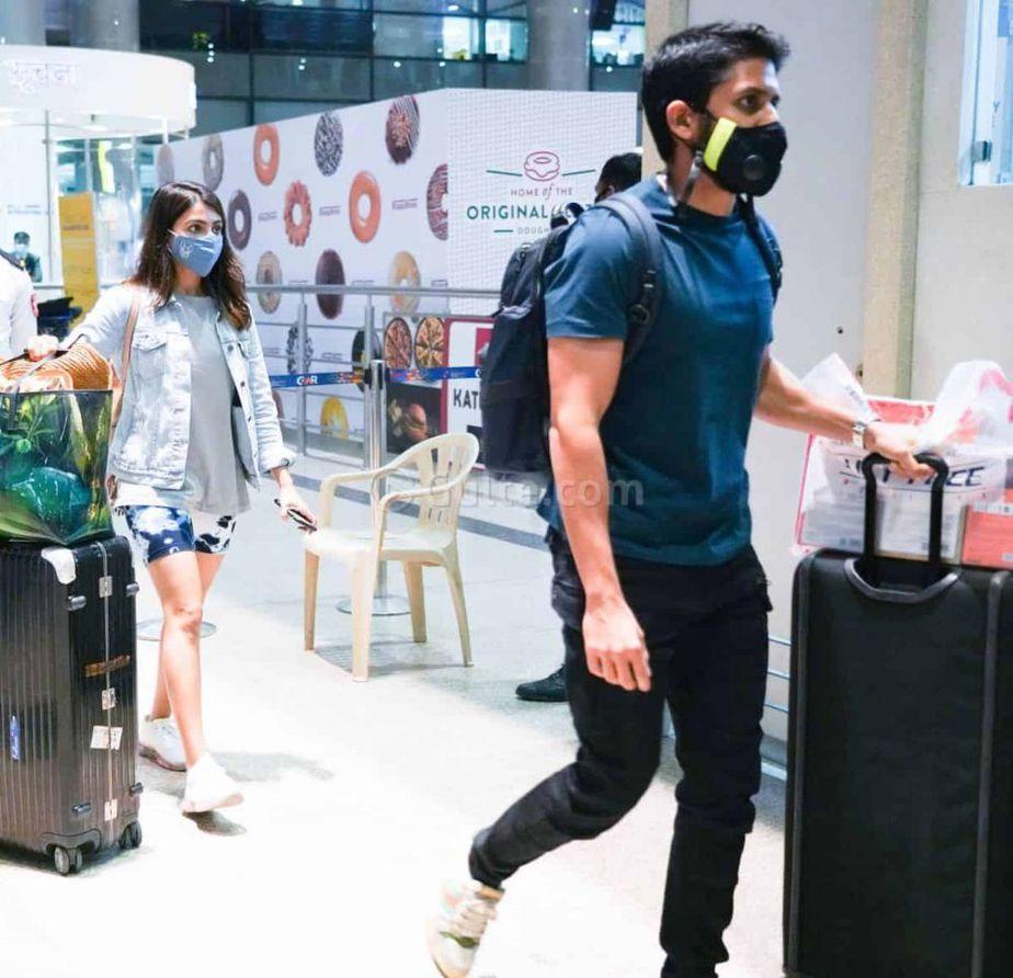 Samantha and Naga Chaitanya in Hyderabad airport