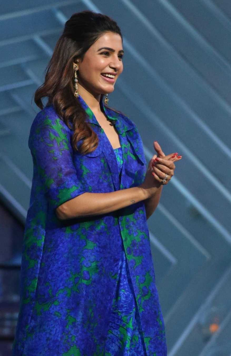 Samantha in blue reik outfit for samjam with rakulpreet 9