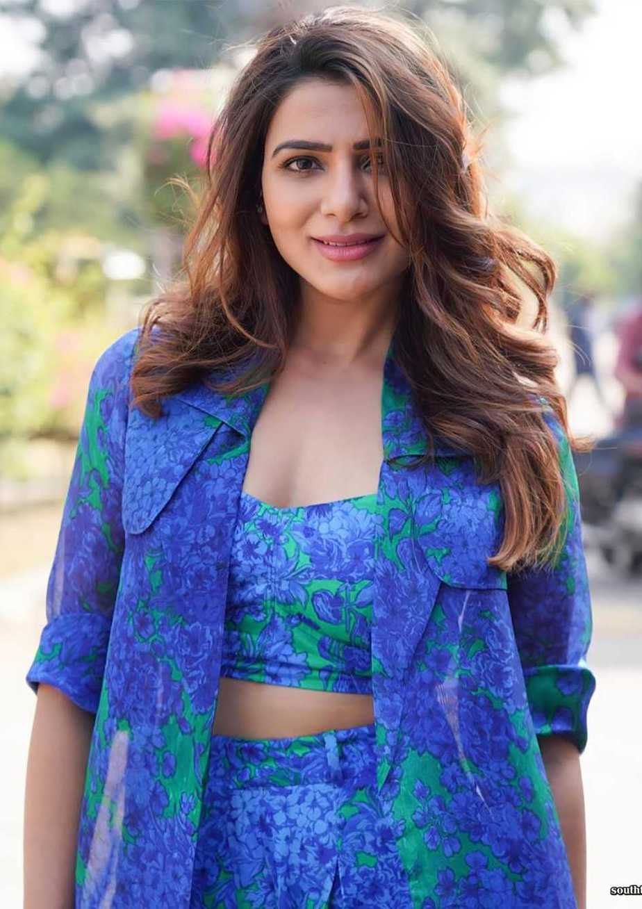 Samantha in blue reik outfit for samjam with rakulpreet2