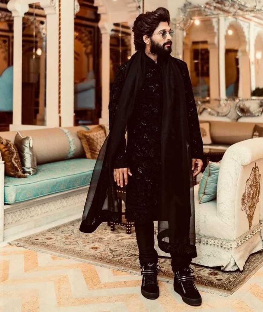 allu arjun black outfit for niharika konidela sangeet