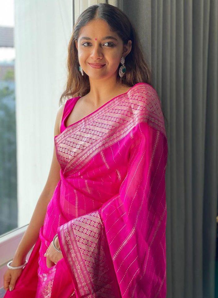 keerthy suresh pink saree look