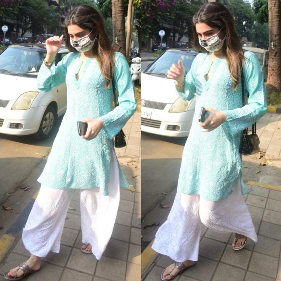 khushi kapoor in blue and white palazzo set