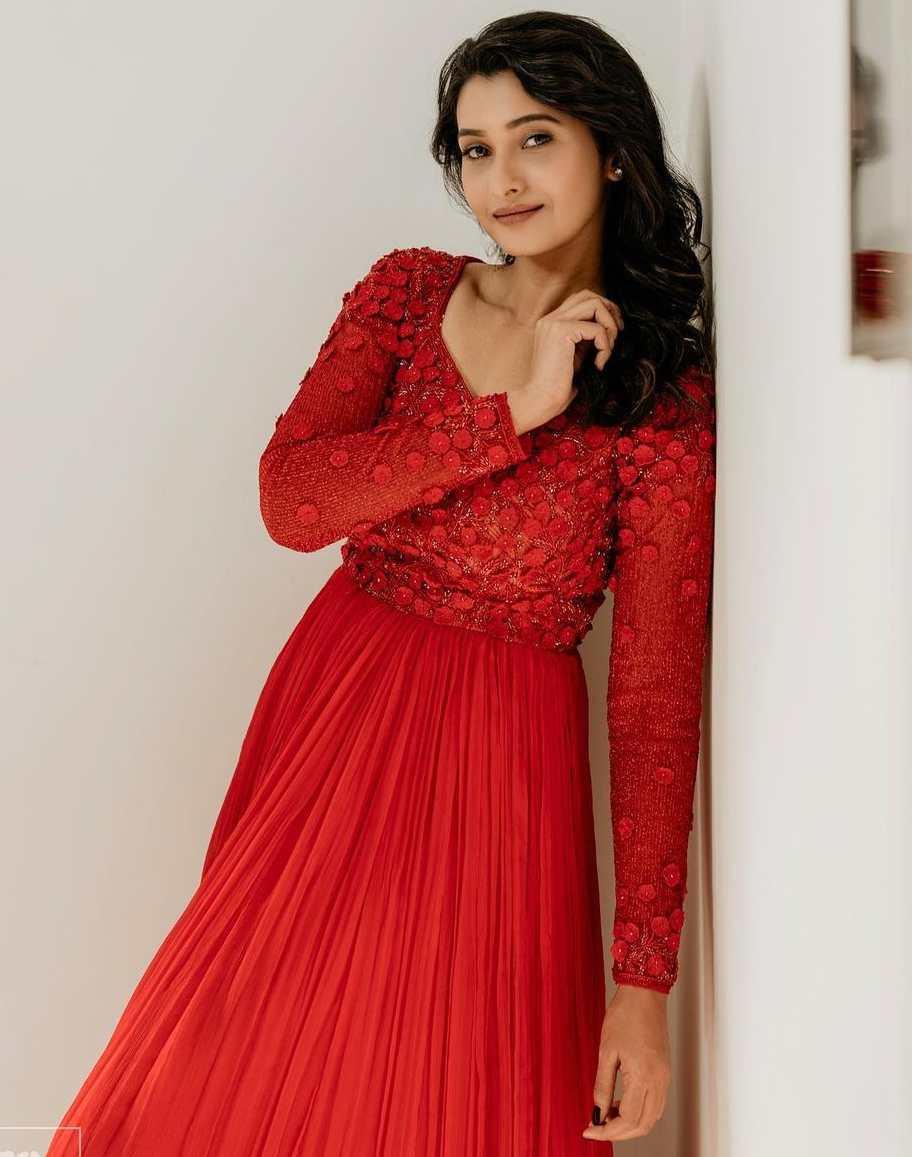 priya bhavani shankar red gown by ashwin thiyagaraj