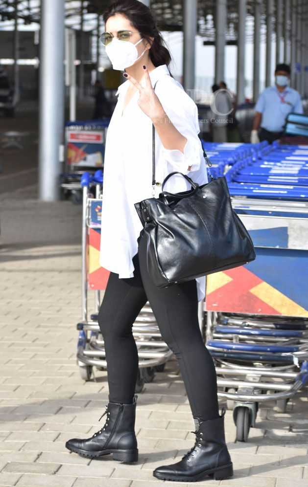 raashi khanna at hyderabad airport look