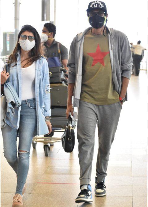 rana and miheeka at airport (1)