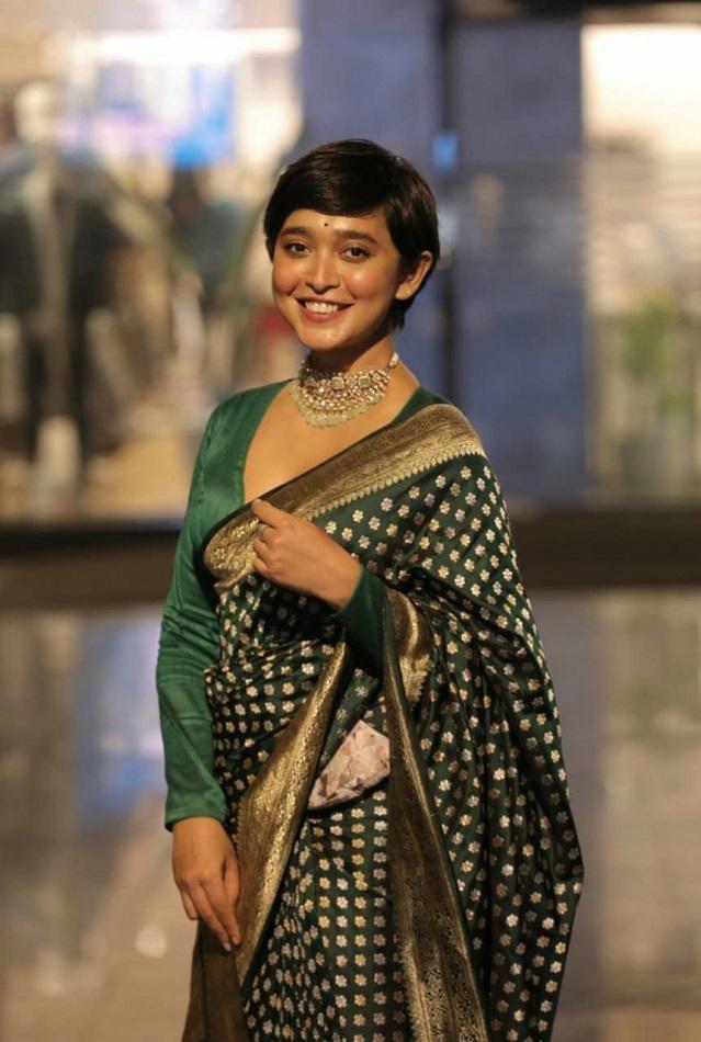 sayani gupta in a benarassi saree from the label coloroso