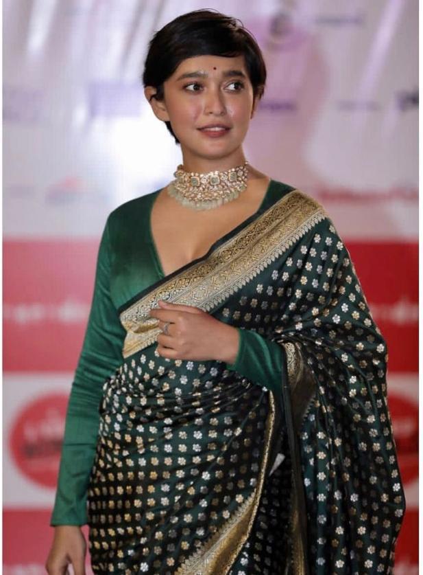sayani gupta green banarasi saree (2)