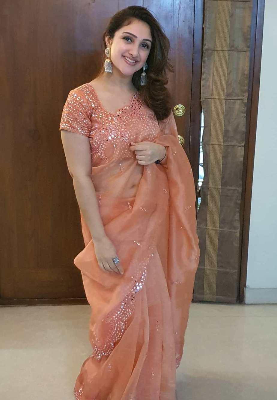 south indian actress sridevi vijaykumar saree look