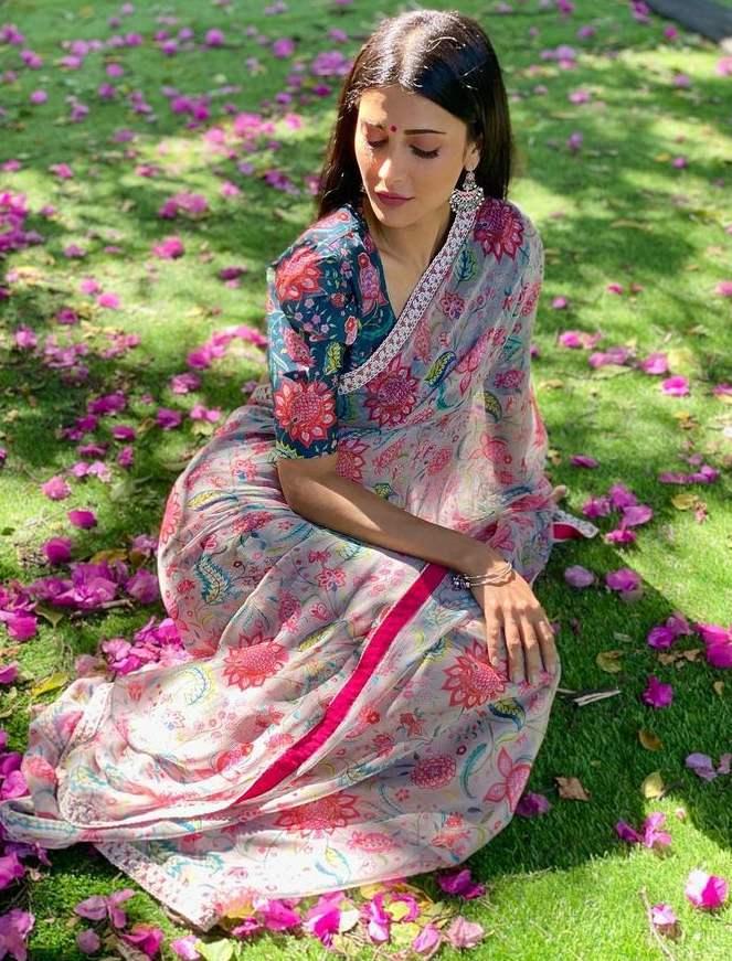 sruthi haasan pink and green floral saree by mrunalini rao