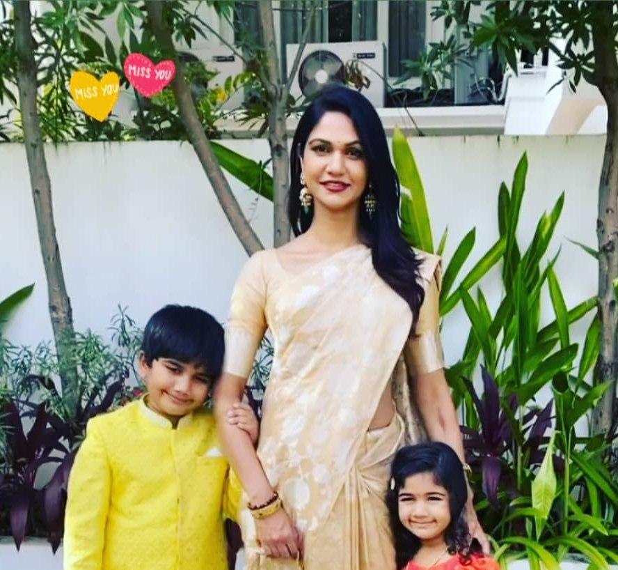 Allu arjun and family sankranti pics1.2